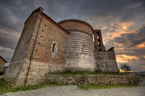 Меч в камне тоскана. Меч в камне: легендарное оружие Короля Артура находится в Тоскане?