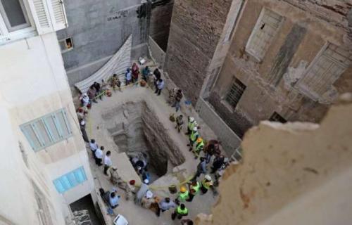 Египетский саркофаг черный. Вскрыт загадочный черный саркофаг в Египте