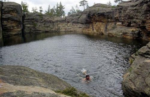 Шайтанколь - Чертово озеро.