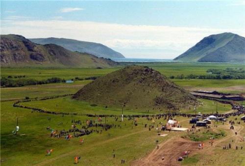 Гора Ерд. Гора Ёрд на озере Байкал.