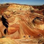 Явление.  На границе между штатами аризона и юта располагаются геологические образования, которые называют волнами.