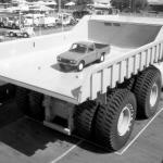 """Terex 33-19 """"Titan"""" - канадский грузовик - самосвал производства компании Terex, построенный в 1974 году."""