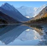 Гора белуха - трехглавая священная гора горного Алтая.