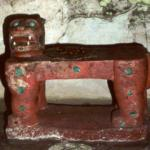 Недавно археологи вскрыли пещеру бога - ягуара Майя, которая простояла нетронутой 1200 лет.