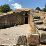 Гробница агамемнона - купольное сооружение, построенное по точным расчетам.