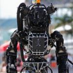 Робобудни.  Созданный американскими учеными гуманоидный робот Atlas во многом напоминает человека: рост 1, 75 метра, вес около 80 килограммов.