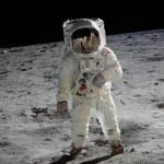 Лишь в том случае, если мы хотим отправить астронавтов на марс, сперва нужно освоить луну.