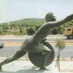 """12 сентября 490 год до н. э. - греческий воин фидиппид пробежал от города марафон до Афин, принёс весть о победе греков над персами - """"ликуйте!"""