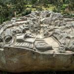 Загадка перуанского камня с макетом города.