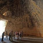Гробница агамемнона - сооружение, построенное по точным расчетам 3000 лет назад.