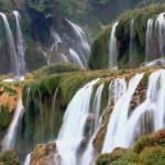 Водопад детиан, известный во Вьетнаме как тхак пан Ги - это четвертый по величине водопад в мире, расположенный на границе двух государств.