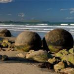 Таинственные каменные сферы моераки болдерс.