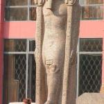 Детали статуй фараонов.