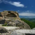 Святилище Татул.  Этот комплекс представляет собой один из самых величественных мегалитических памятников на болгарской земле.