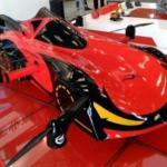 В Китае представили летающий робомобиль.