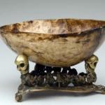 - ритуальная чаша из черепа капала.