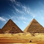 Египетские пирамиды строили гиперборейцы.