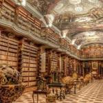 Самая красивая библиотека в мире в Праге находится.