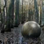 16-Тонные каменные шары.