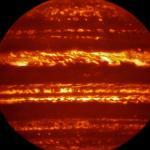 """Великолепные снимки Юпитера получены на VLT всего за несколько дней до прибытия туда космического корабля """"Юнона""""!"""