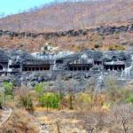 Пещеры Аджанты - уникальный храмово - монастырский пещерный комплекс в Индии.